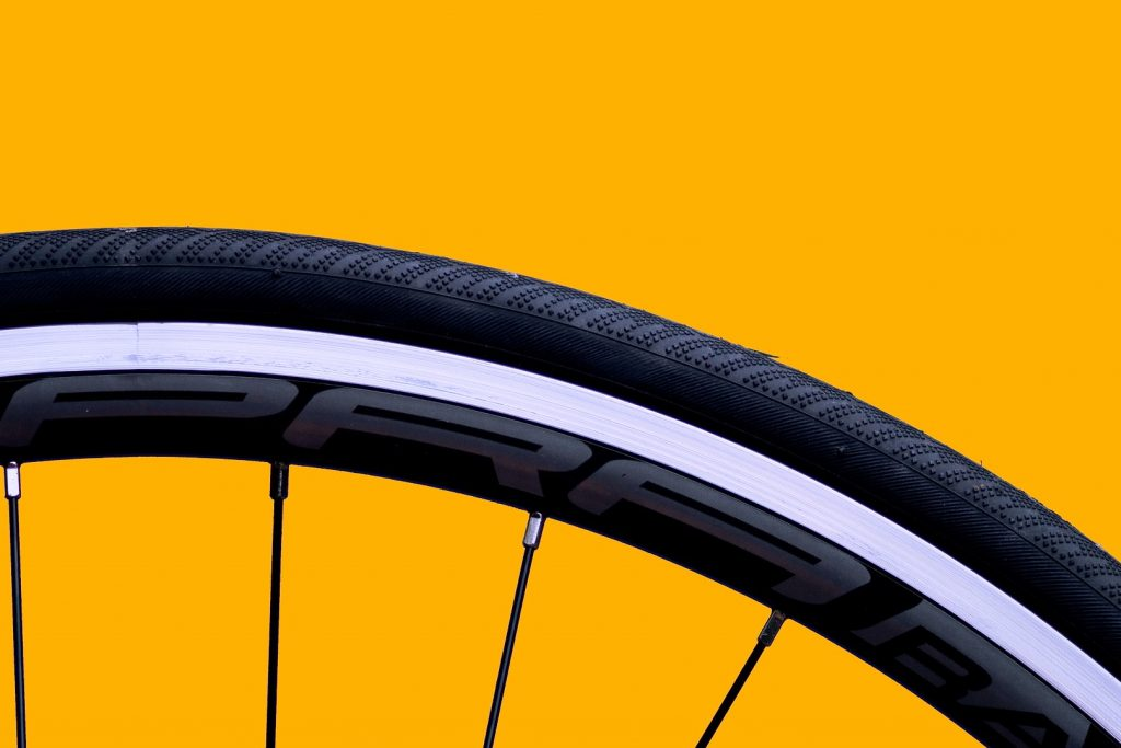 Clinchers are the standard spec on the majority of road and triathlon bikes.
