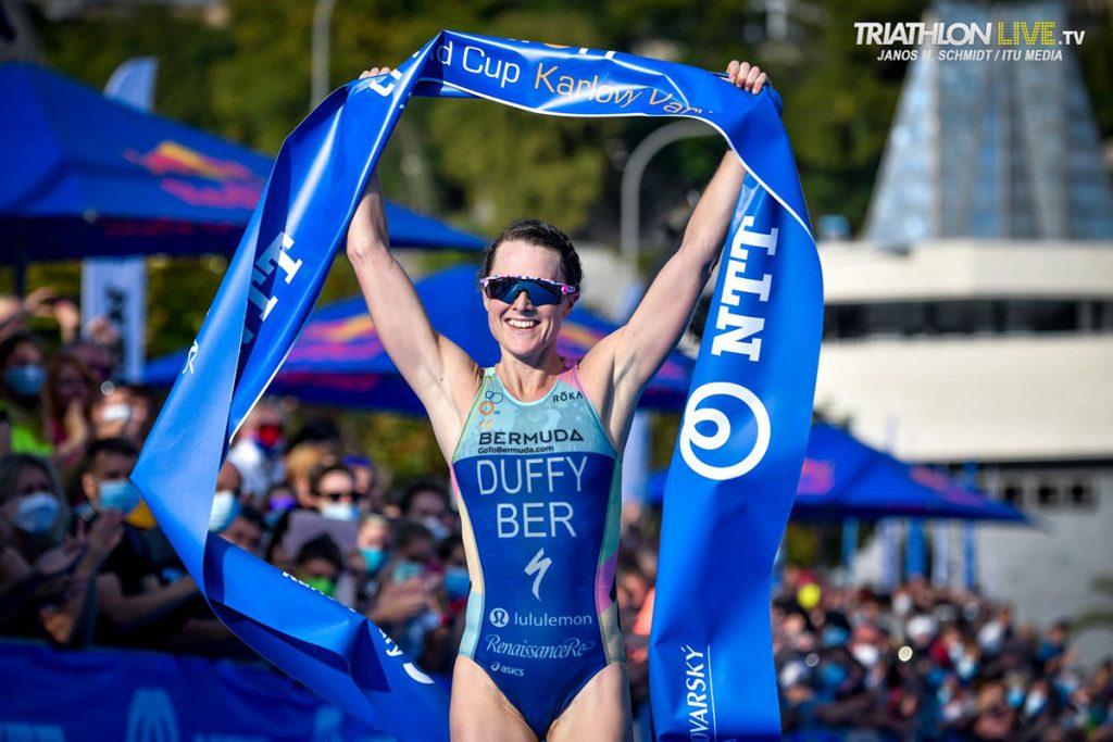 Flora Duffy - Janos Schmidt / World Triathlon